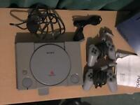 PlayStation 1 boxed, 2 controllers