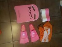 Swimming set for training , kick board , float and fins all woth a wet pool bag