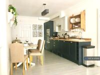 1 bedroom flat in The William Lemon, Truro, TR1 (1 bed) (#976992)