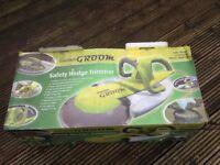 Garden Groom safety hedge trimmer