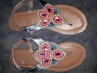 ladies sandals Size 4