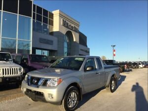 2015 Nissan Frontier SV 4x4, Heated FR Seats, Bluetooth, Clean C