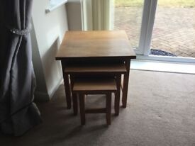 Oak bookcase and nest of tables