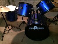 Only used 7 times!! Like brand new , blue full size drum kit!!! Perfect Xmas gift
