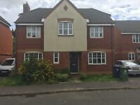 SPACIOUS DETACHED HOUSE TO LET - 4 BEDROOMS