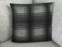 3 x cushions