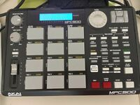 Akai Mpc 500 / 128 mb / loaded with 1.5 gb samples /Drum machine / Sampler