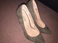 Camo green size 5 heels