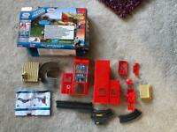 Thomas and friends - track master - fill up fire house