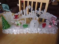 LIGHT UP COLOUR CHANGING CHRISTMAS DECORATION