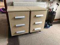 BEDSIDE TABLES X2 very solid and sturdy
