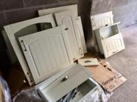 Job lot of kitchen cupboard doors, will sell separately if required