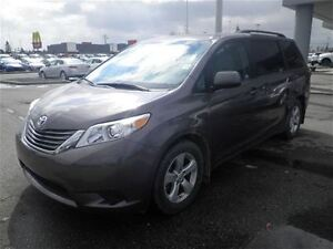 2016 Toyota Sienna LE|7 Pass|Heated Cloth|Camera