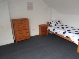 **DOUBLE ROOMS AVAILABLE IN SPARKHILL*FULLY FURNISHED*ALL BENEFITS ACCEPTED*FREE WIFI *NO DEPOSIT**