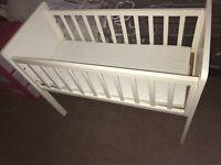 White Crib/cot