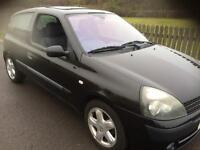 Renault Clio 1.2 dynamique 2003 53 black 3 door 1 years mot low miles low tax low insurance