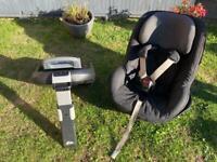 Maxi Cosi Pearl Car Seat With Family Fix Isofix Base