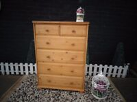 LARGE PINE CHEST OF DRAWERS 4+2 DRAWERS SOLID UNIT AND WITH LOADS OF STORAGE IN VERY GOOD CONDITION