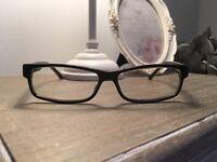 GUCCI Black frame glasses