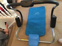 Ab roller with mat by Davina