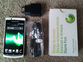 Boxed White Sony Ericsson Xperia Arc S LT18i 3G Mobile Phone Cell in VGC