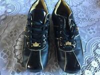 Ladies black gold trainers size 5 used £4