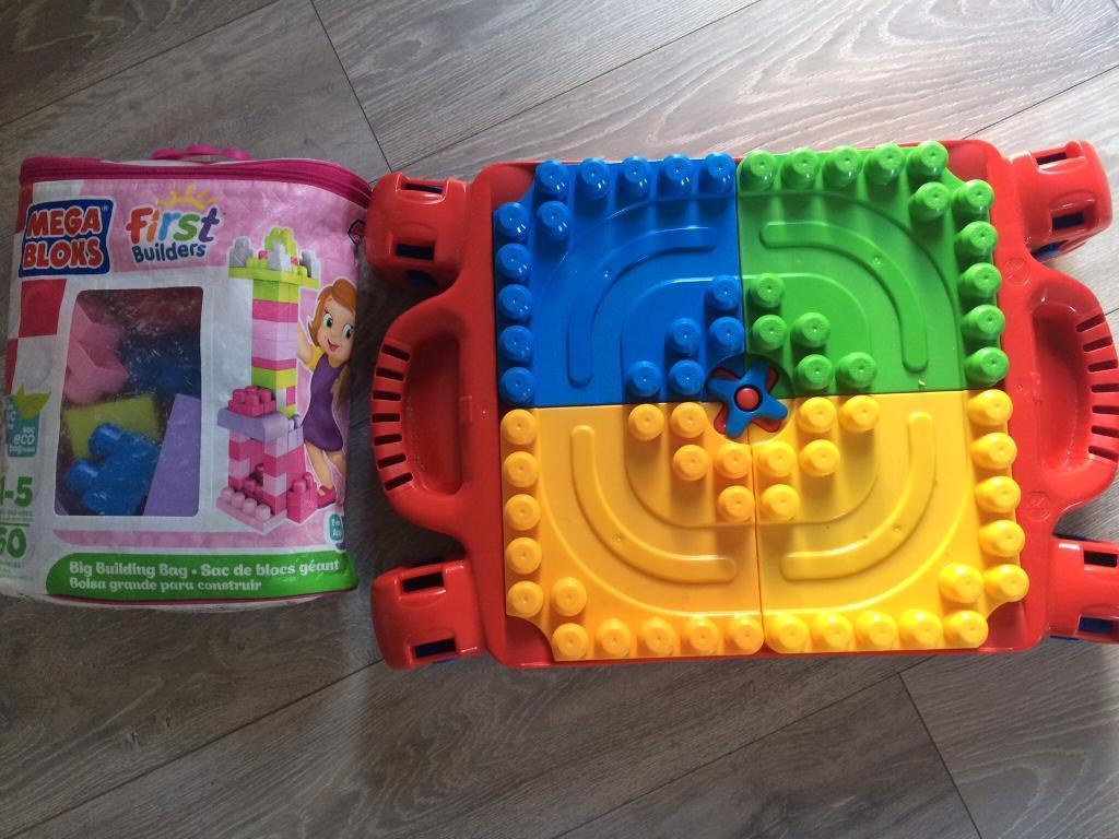 Mega Bloks Table and bag of bricks