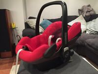Maxi Cosi Pebble Baby Car Seat and IsoFIx Base