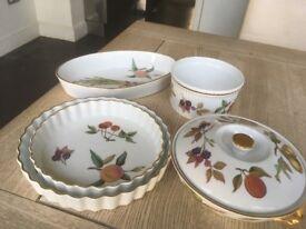 Royal Worcester Evesham China Tableware Set