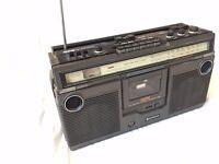 Hitachi Retro Ghetto Blaster Radio/Tape player - looks good but needs some attention £10
