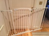 Dream baby tall stair gate with extension, Woking