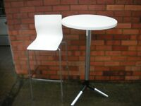 Top quality stylish restuarant/ bistro table and chairs.
