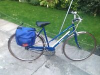 LADIES (DAWES CITY BIKE) GREAT BIKE (LOVELY LOOKING BIKE) RIDES EXCELLENT (GREAT FOR A STUDENT)