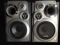 SAMSUNG HI FI SPEAKERS WITH BUILD IN SUB WOOFERS