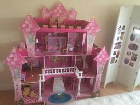 Princess castle/ dolls house