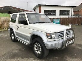 MITSUBISHI SHOGUN PAJERO SWB 2.5 DIESEL AUTOMATIC MINT CONDITION 12 MONTHS MOT GREAT RUNNER BARGAIN!