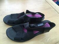 Skechers size 5