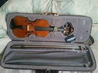 Czech Violin Plus case and Bow
