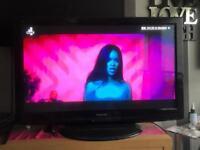 """42 """" PANASONIC VIERA FREEVIEW HD 1080p TV"""