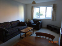 Woking, Centre, one bed flat with parking, near station and shops, semi furnished, to let