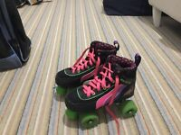 childrens roller skates. Great condition size 3