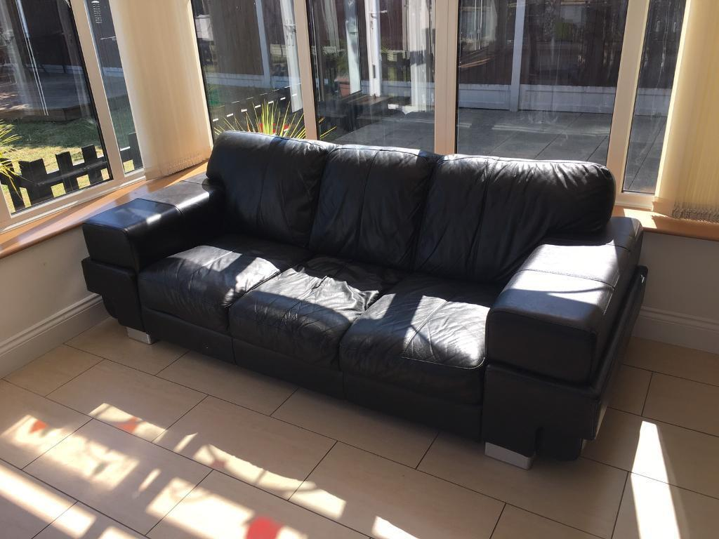 Black leather sofain Stanford le Hope, EssexGumtree - Black leather 3/4 seaterSigns of usageVery comfortable Collection from Ss17 Fobbing area Any questions please call 07966121231
