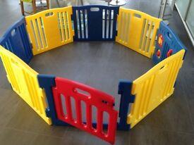 Baby safety playpen