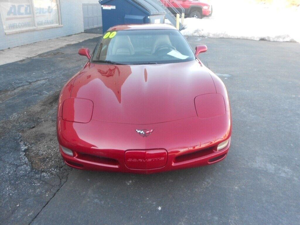 2000 Red Chevrolet Corvette Coupe    C5 Corvette Photo 2