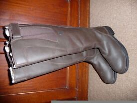 Brand new pair of ladies riding boots, size 6