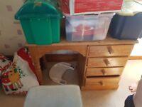 desk / dressing table