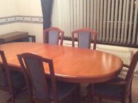 Ex condition , solid wood extending table and 6 chairs