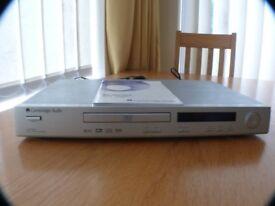 Cambridge audio CD player with remote control