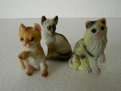(G5.12) DOLLS HOUSE RESIN SET OF THREE  ASSORTED CATS