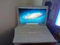 """Apple MacBook 13.3"""" 2.1GHz 1.5GB RAM 120GB HDD"""